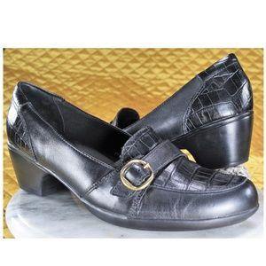 Clarks Bendables Black Leather Crocodile Pumps 11M